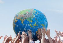 Pengertian globalisasi ciri ciri globalisasi dampak globalisasi pengaruh globalisasi